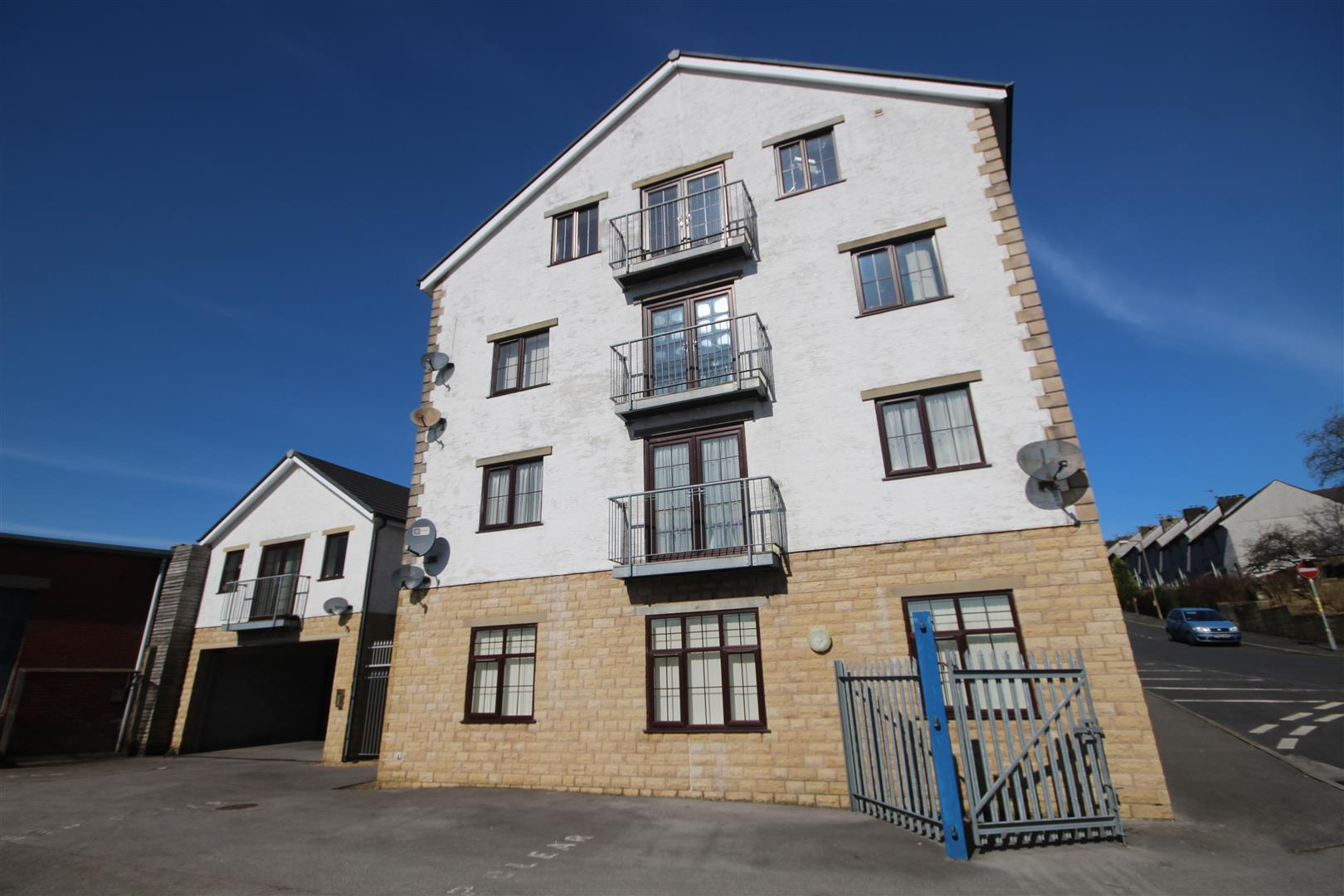 2 bedroom apartment To Let in Colne - Main Image